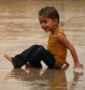 Dreng på strand